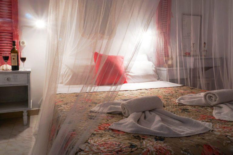 ROOM 2 BEDROOM NIGHT