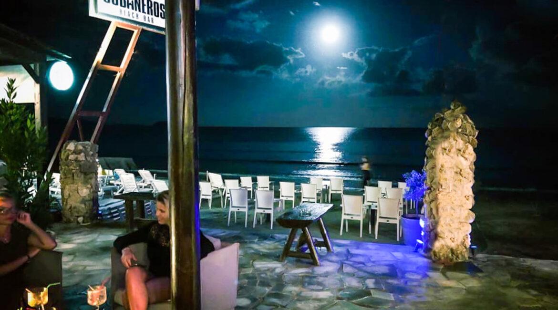 Cubaneros Beach Bar-2
