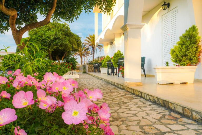 Cubaneros Holiday Inn